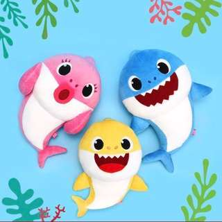 🚚 Authentic Set of 3 Baby Shark Plushies - in English
