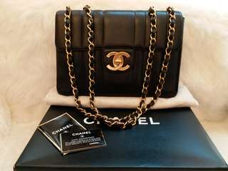 現貨Vintage Chanel黑色羊皮粗條紋大金扣Jumbo flap bag 30cm