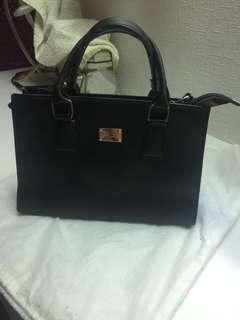 🚚 Women's bag