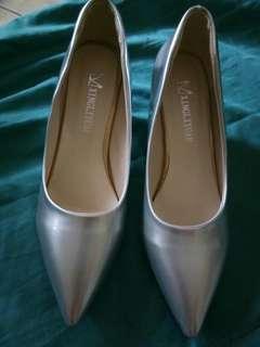 High heels... Silver