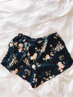 🚚 Brandy eve shorts