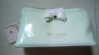 Ted Baker large wash bag /light green