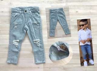 Celana jeans ripped size 4