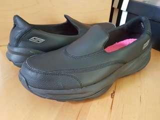 Skechers Black Goga mat technology shoes