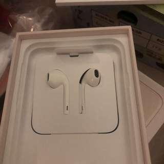 全新正版 包郵 Apple 原裝耳機 耳筒 lightning earphone for iPhone