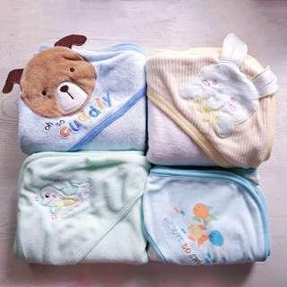 4 Hooded Towels