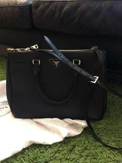Prada 黑色killer bag