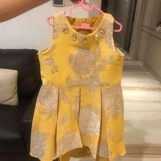 Dress pesta kuning