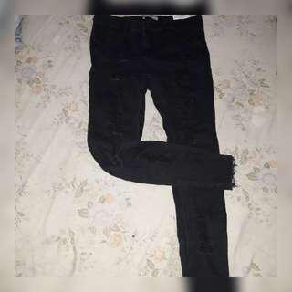 Ripped jeans pull n bear