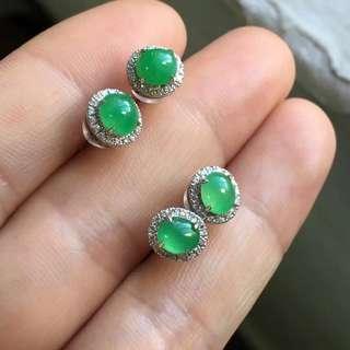 18K鑽石天然A貨陽綠小耳釘一對