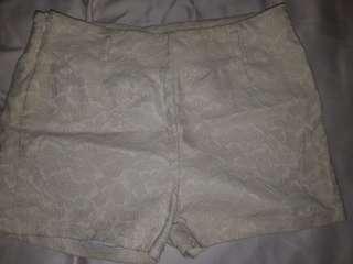 Celana pendek putih j.rep