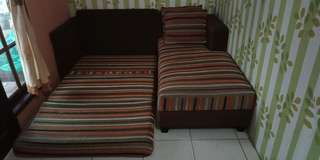 Sofa bed garis2 free bantal dan meja