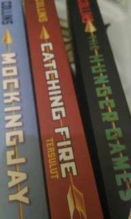 The Hunger Games Trilogy (Bahasa Indonesia)