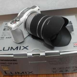 【出售】Panasonic GF5 + 14-42mm 微單眼相機 盒裝完整 9.5成新
