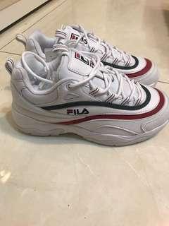全新 FILA 韓國限定老爹鞋 紅綠配色 24