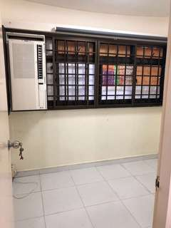 Utility room for rent