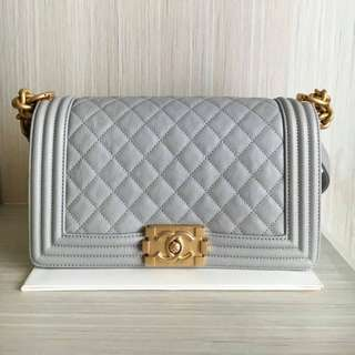 READY NEW CHANEL BOY 25Cm LIGHT GREY CAVIAR GHW #25