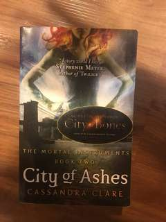 City of Ashes by Cassandra Clare (The Mortal Instruments Book 2)