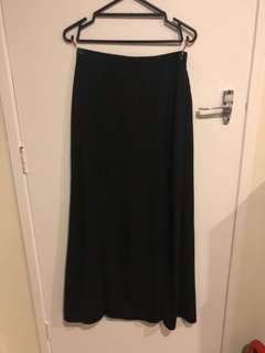 Maxi skirt with 2 slits
