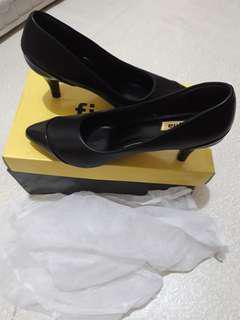 Figlia office/school shoes