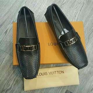 Sepatu Loafers pria, Premium Quality (import). Sebelum order konfirmasi stock dan sizenya