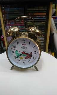 古舊公雞上鍊鐘