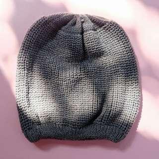 Topi Bahan Wol - Grey / Ungu