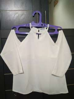 Marchella shoulder top