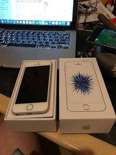 iPhone se 64g 銀色盒裝