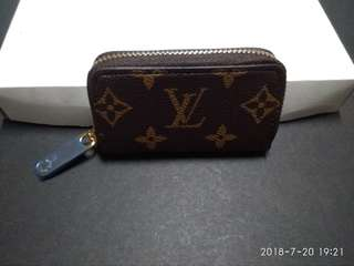 LV coin purse with serial number