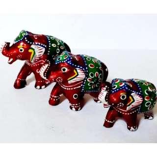 Set of 3 resin elephant set cherry color