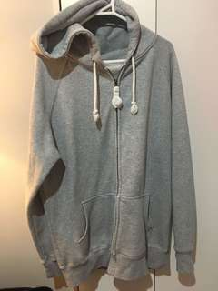 Oversized jumper with hood