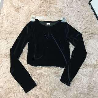 🚚 Hollister 黑色短版上衣 #女裝半價拉