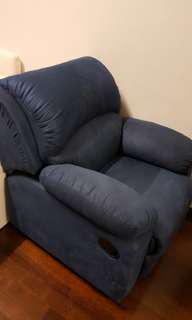 Single seat recliner sofa