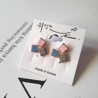 🚚 *~Wu Gu~*【正韓】//現貨// 方塊 幾何 耳環 (瑕疵品)