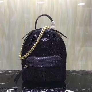 【Versace】範思哲專櫃新款女士雙肩背囊,燙鑽系列🎒超模迷你款[色][色]磨砂牛皮燙鑽款,還可斜挎手拎👑款號:4442,尺寸:18*8.5*22.5cm