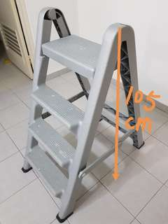Ladder foldable