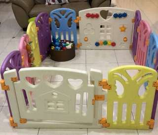 Parklon playpen/fence and green soft playmat