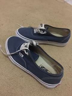 Vans Authentic dress blue / true white sz 38