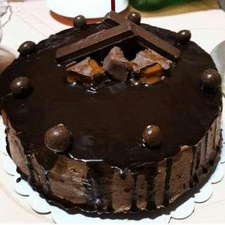 Cakes ( moist chocolate cake, red velvet, carrot, mango, banana cake, muffins, brownies)