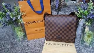 Authentic 100% LOUIS VUITTON DAMIER EBENE  bodybag