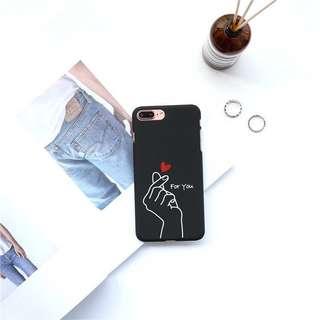 🌻BRANDNEW🌻 Iphone 5 Finger Korean Heart Black Matte Hard Case
