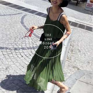 ioz 西班牙設計款 無袖百褶雪紡連身長裙