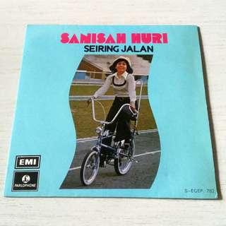 """Sanisah Huri """"Seiring Jalan"""" EP"""