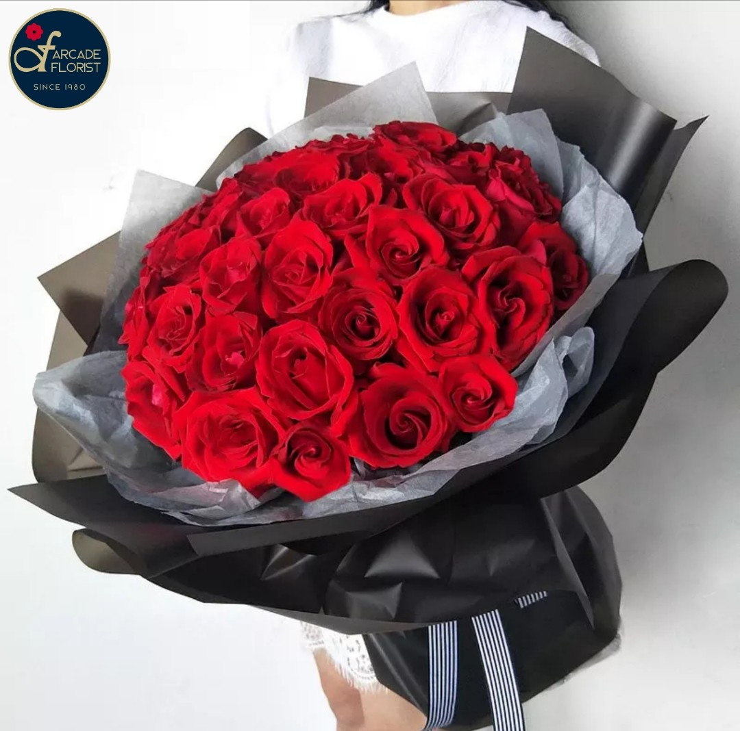 40 Stalks Red Roses Fresh Flower Bouquet Rose Flower Flower Bouquet Flower Flowers Fresh Flower Rose Roses Gardening Flowers Bouquets On Carousell