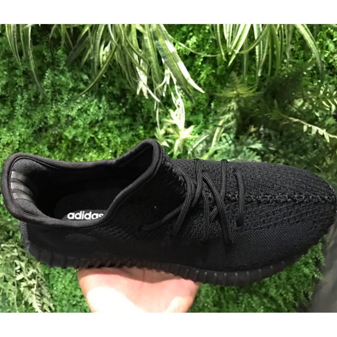 los angeles c00f3 e5eb6 Adidas x Yeezy Boost 350 V2 Triple Black (Brand New), Men's ...