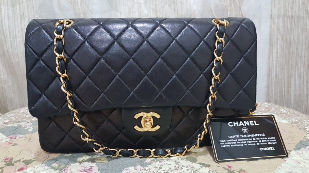 b2c52e56abf2 CHANEL Vintage Black Quilted Lambskin Leather Classic Double Flap ...