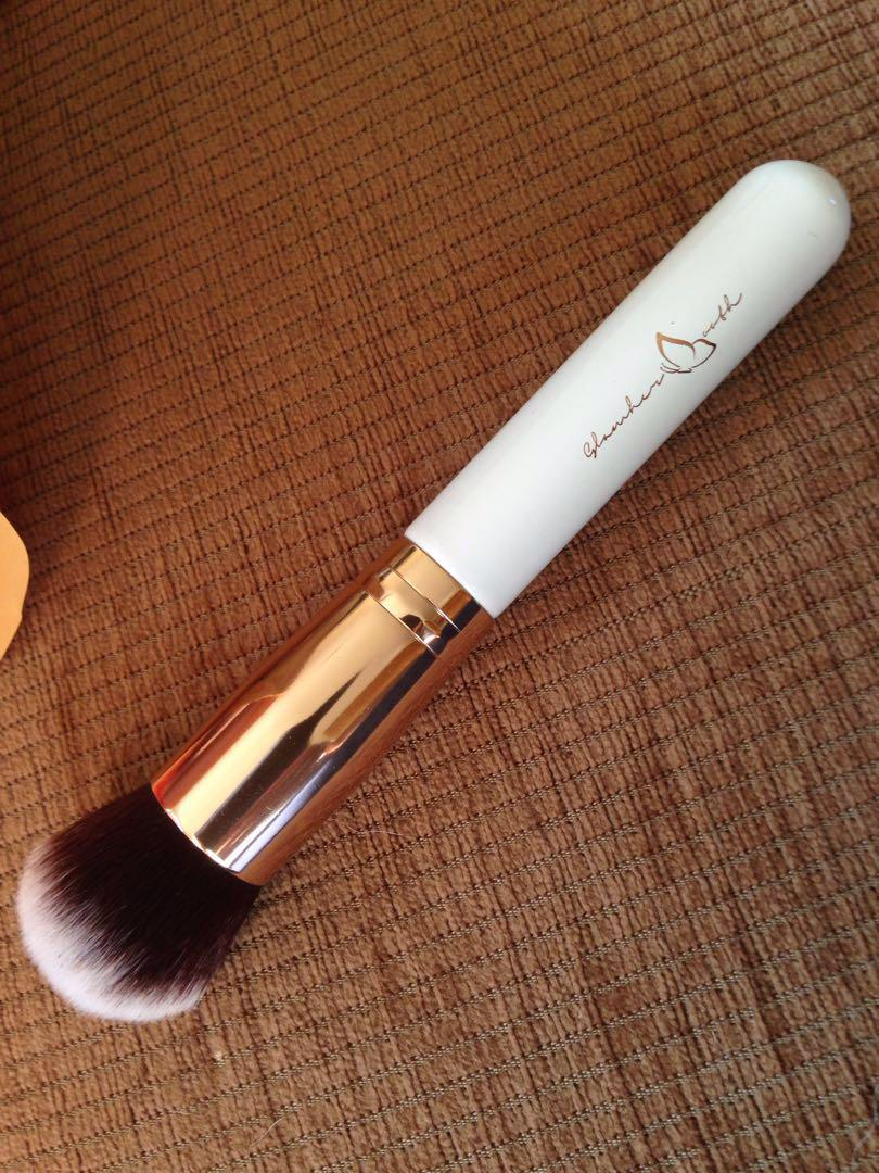 Glamher powder brush