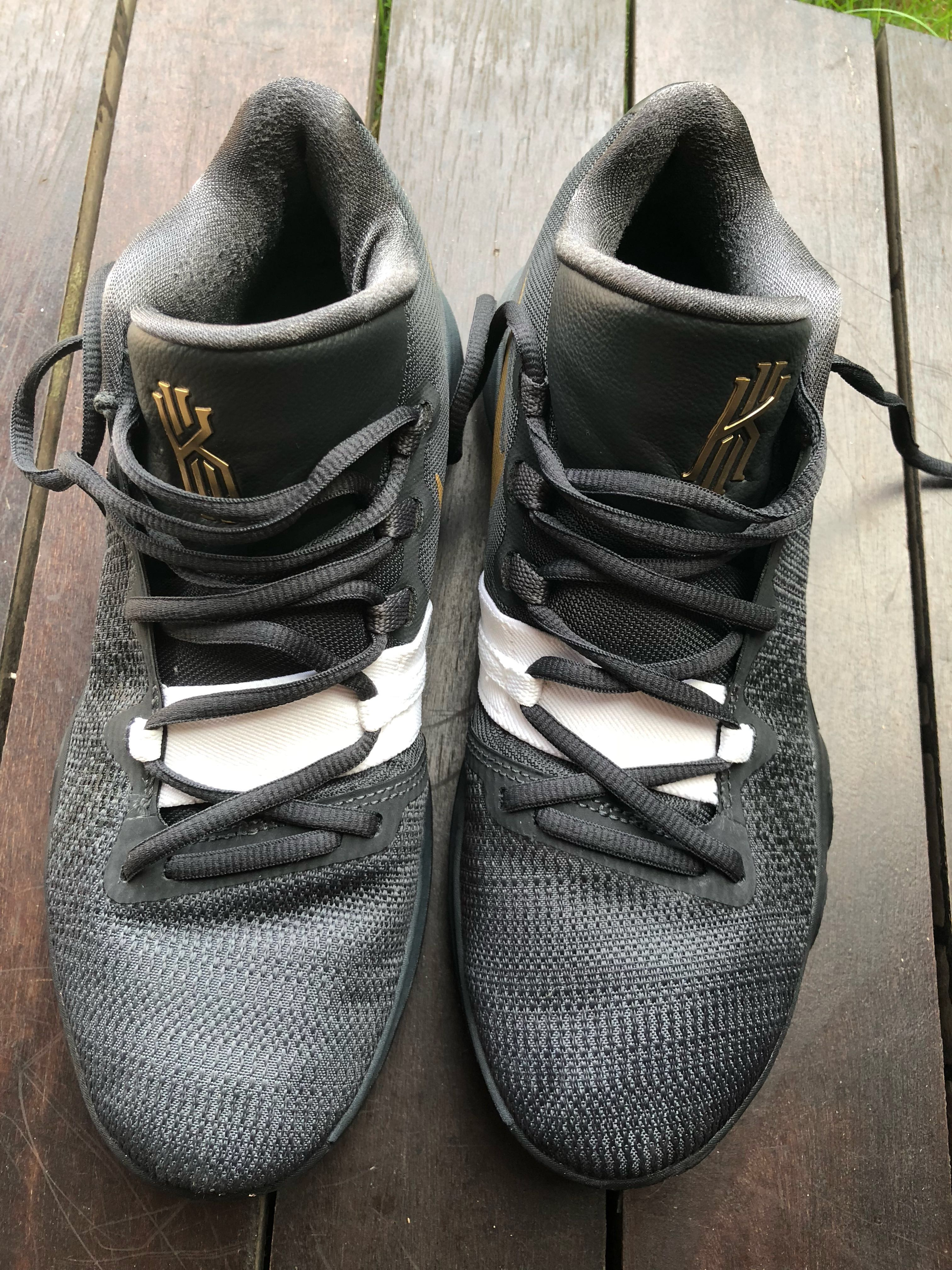 e77ea1f50c60 Kyrie Flytrap black and gold basketball shoes