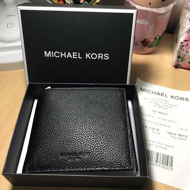 44350e67fb91 MK men's short wallet offer now, Men's Fashion, Bags & Wallets ...